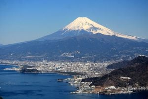 Numazu_and_Mount_Fuji
